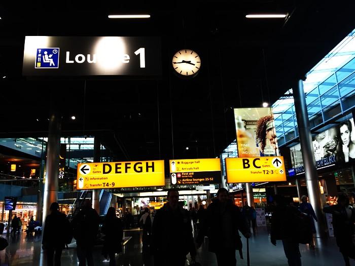 03TYO-スキポール空港